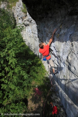 Eat the Rich (7c), Upper Circle (7c) © Mike Hutton