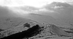 Looking towards Kinder Scout © Oli Grounsell