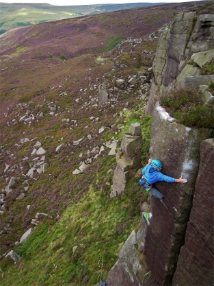 Incomprehensible Shewing Sounds, Shining Clough (E5 6a) © Mark Rankine