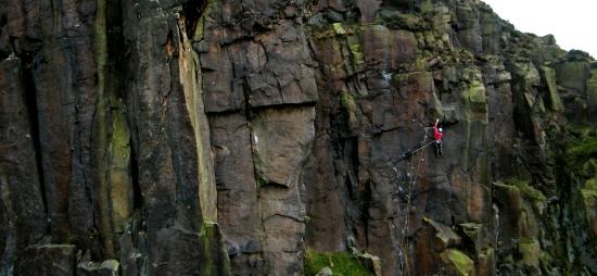 Adam Bailes on Toploader, E7 6c, Millstone © Oli Grounsell