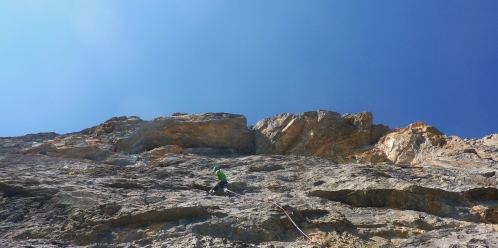 Heading for the roofs on The Don, 7a, Tete, D'Aval © Liam Postlethwaite
