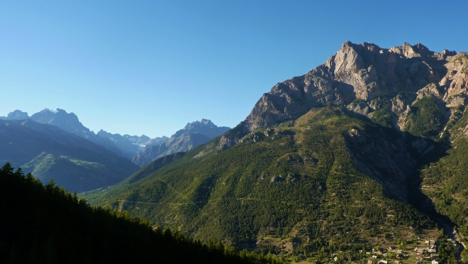 The Tete, Ailefroide, East Ecrins © Liam Postlethwaite