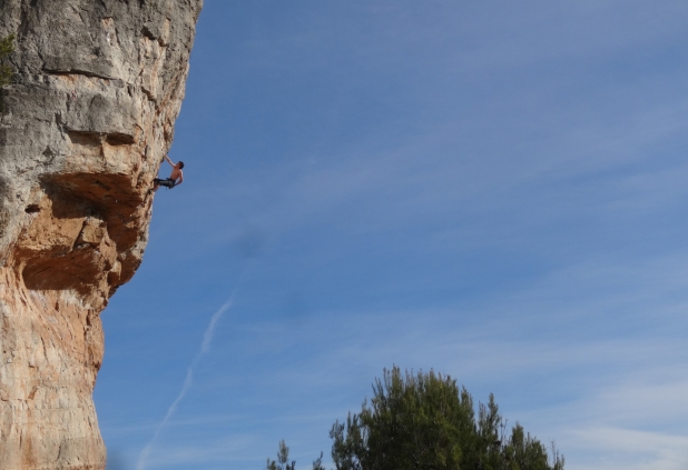 Nathan on Boys don't Cry, 7c, Siurana © Oli Grounsell