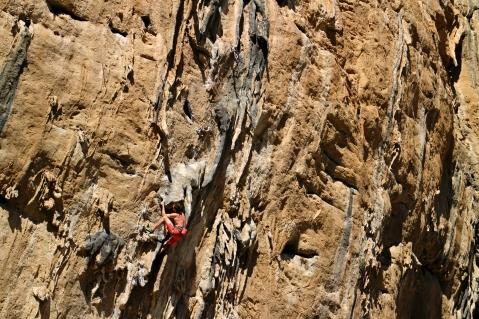 Jack climbing the classic Lourdes, El Makinodromo © Oli Grounsell
