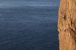 Above and Beyond, E6 6b, Fairhead © Rob Greenwood