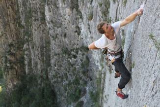 Jack climbing El Sendero Luminosa © Liam Postlewaithe
