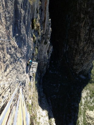 The first crux pitch on FFA of Pau, La Huasteca, Mexico © Liam Postlethwaite