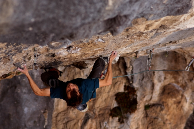 Crux of Radar Ez (8c+), Figols, Spain
